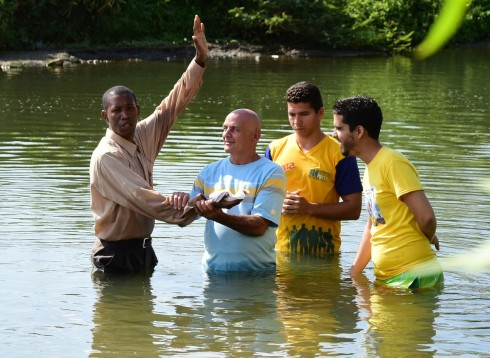 pastor and 3 men to be baptized